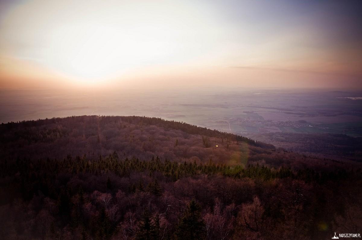 Widok z wieży widokowej Ślęża